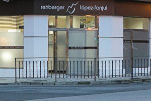 entrada-clinica-rehberger-lopez-fanjul-escoger-la-merjor-clinica-dental