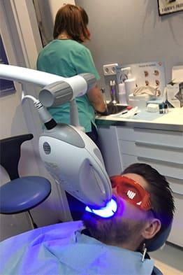 blanqueamiento-dental-en-clinica-dental-rehberger-asturias-oviedo-gijon