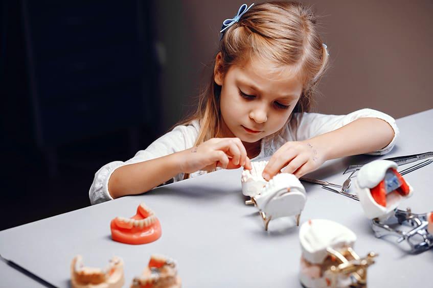 oclusion-dental-aparatos-ortodoncia-niña-clinica-dental-asturias-oviedo-gijon