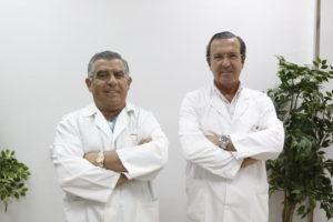 Foto de dos dentistas